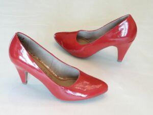 240e76e113 Körömcipő fazonú menyecske cipő