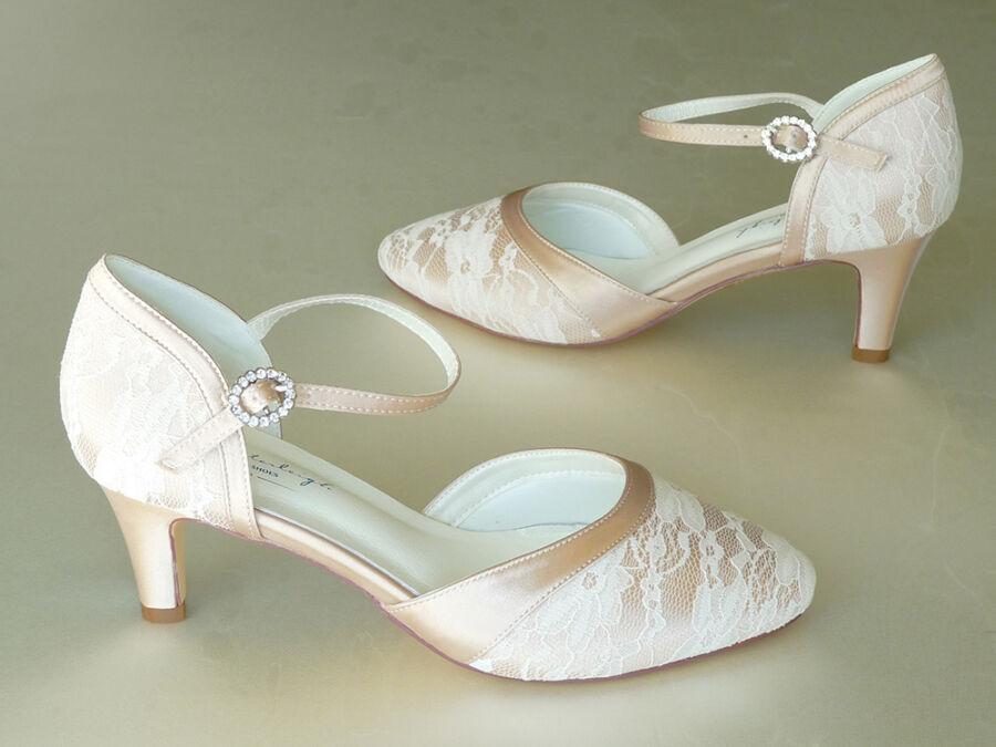 87a70011be Monica pántos, csipkés esküvői cipő - Sarokmagasság 1 - 6 cm
