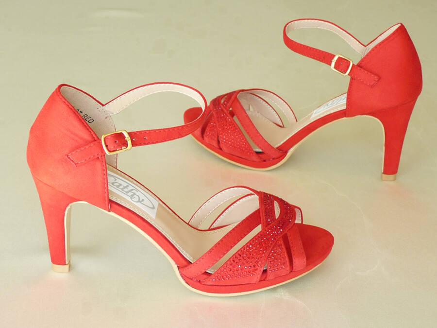 9149acc191 Szandál fazonú menyecske cipő - Menyecske cipők