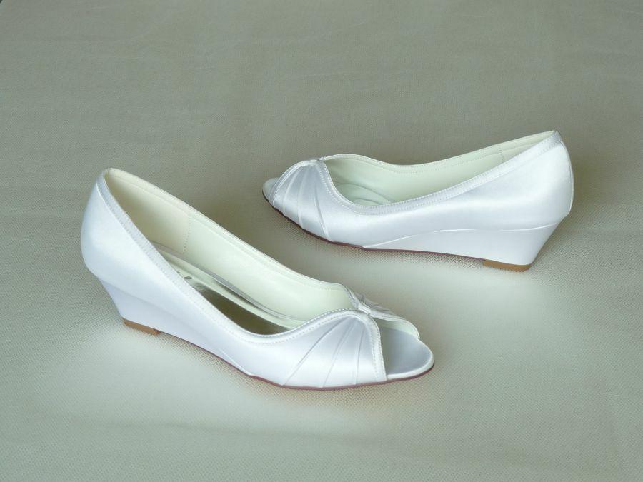 Nyitott orrú éktalpas női esküvői cipő - Rose Scent 5462fb4b48