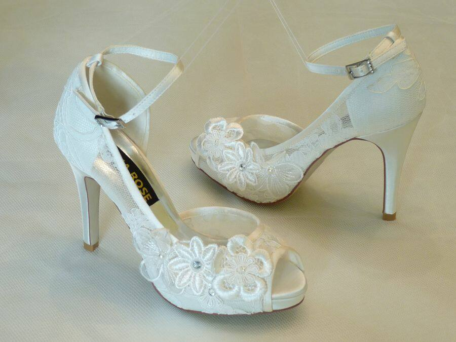 0082df7e59 Szandál fazonú női esküvői cipő - Sarokmagasság 6 - 11 cm