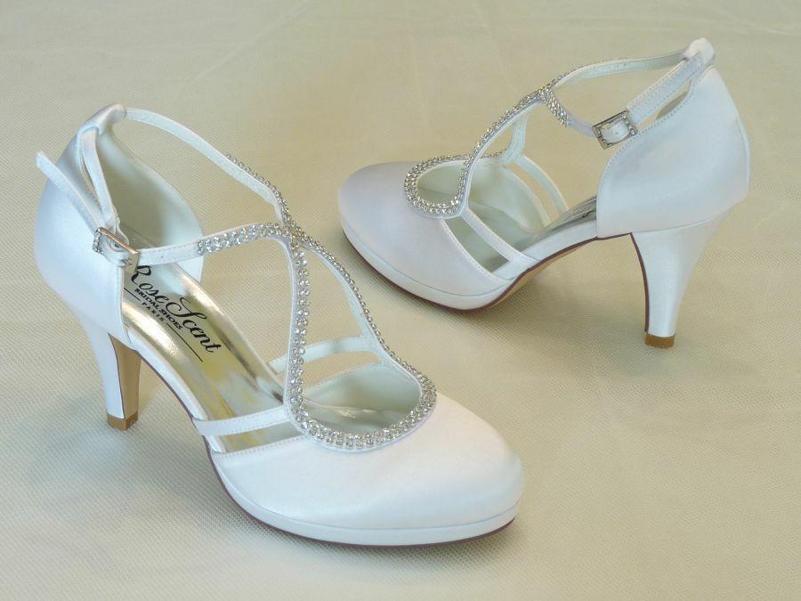 4649d2d54f Keresztpántos női esküvői cipő - Sarokmagasság 6 - 11 cm