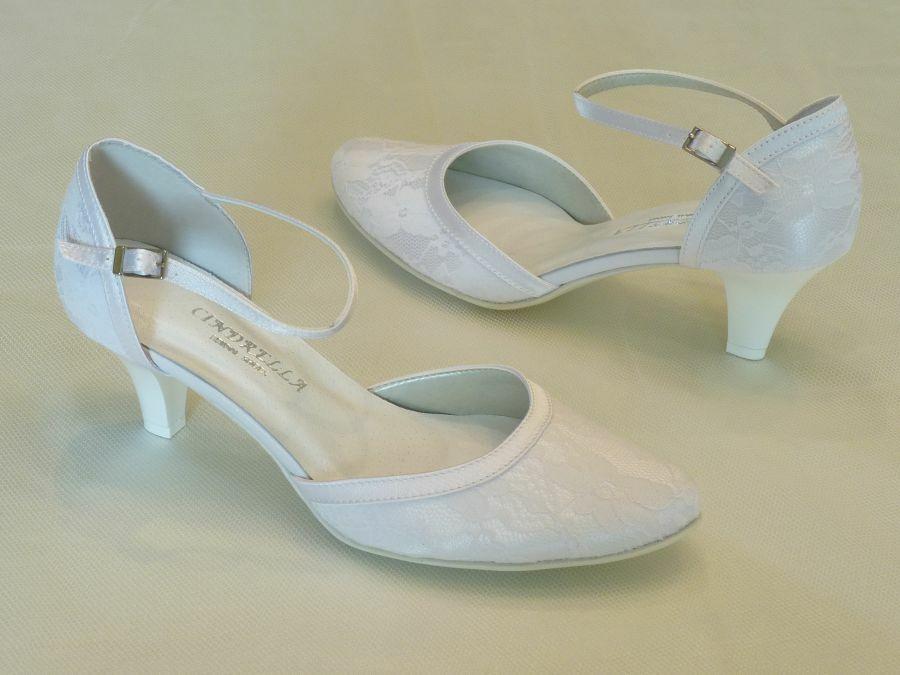 358d9b1d07 Csipkés, kétrészes női esküvői cipő - Sarokmagasság 6 - 11 cm