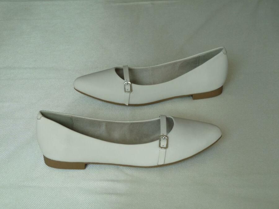 Lapos sarkú balerina cipő, csatos kivitelben