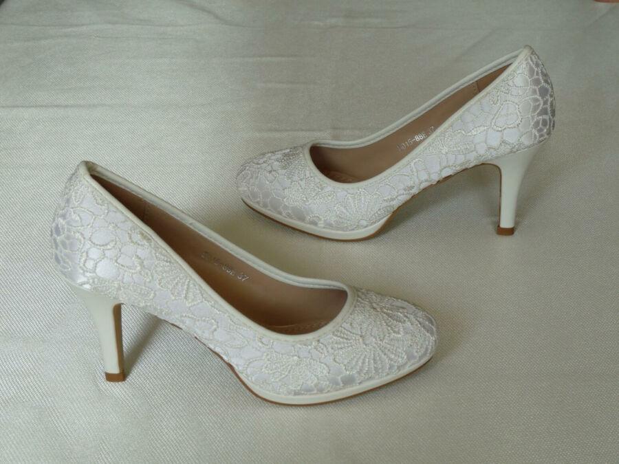Csipke, platformos női esküvői cipő