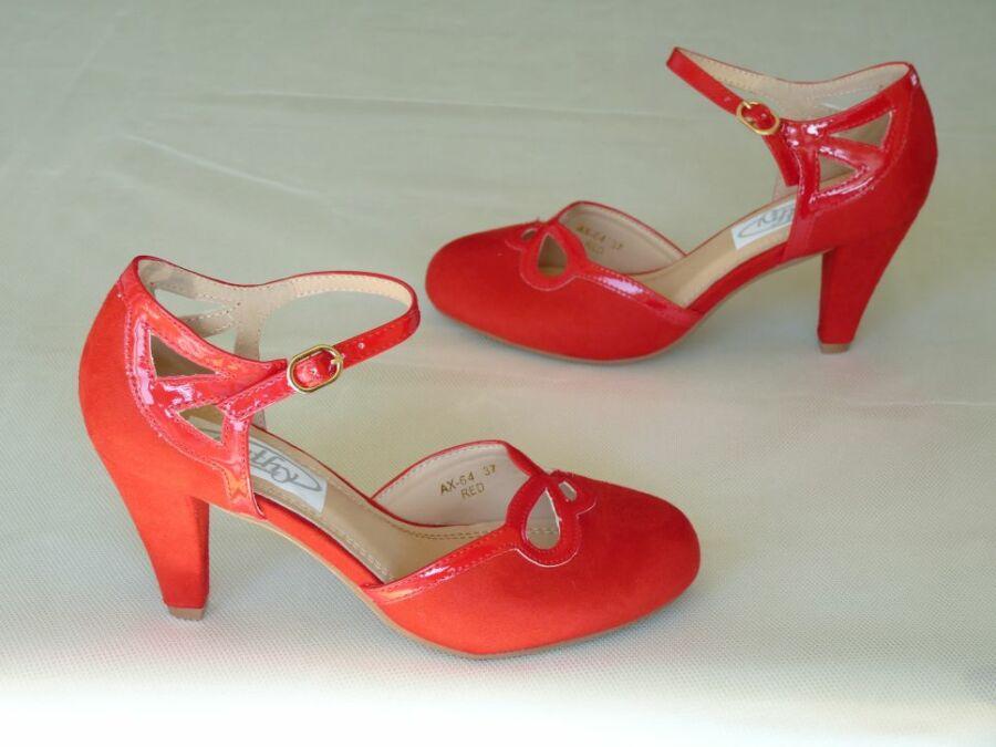 Pántos komfortos menyecske cipő