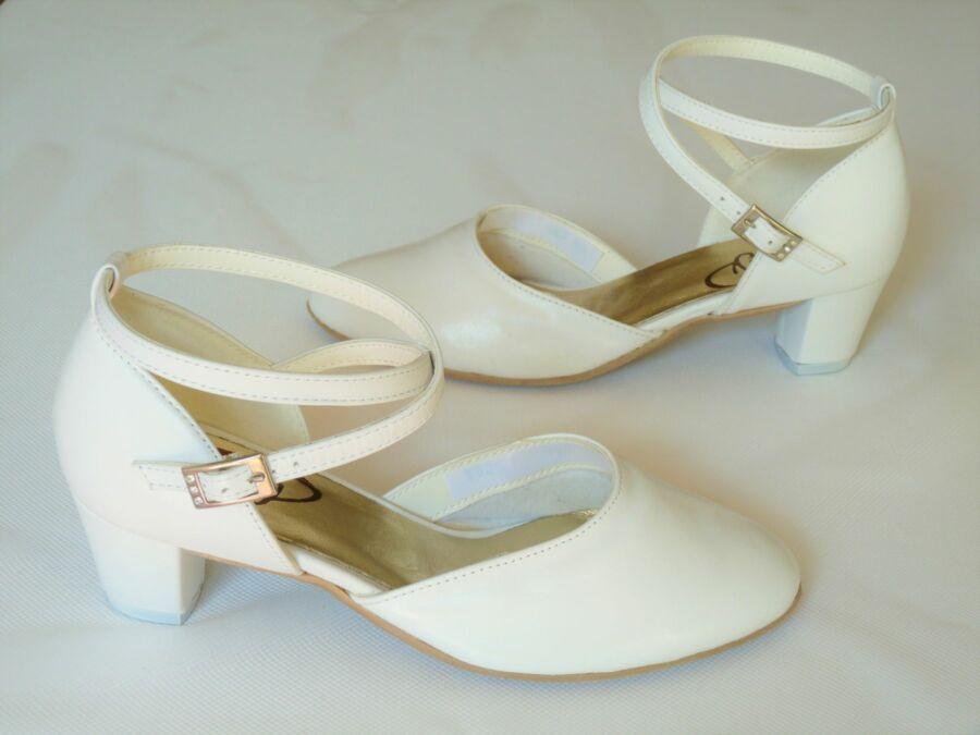 Bokapántos női esküvői cipő