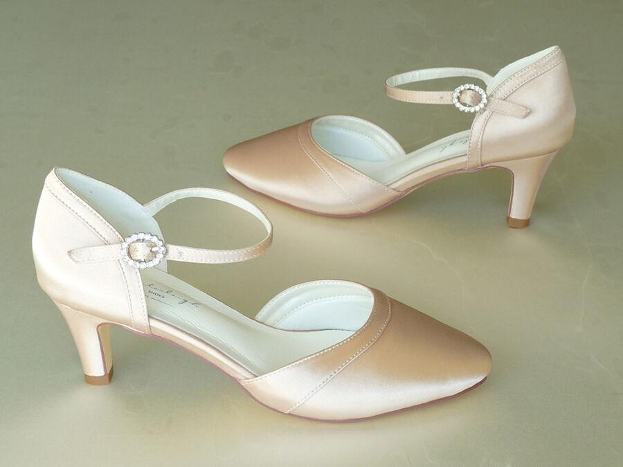 Mona pántos női esküvői cipő