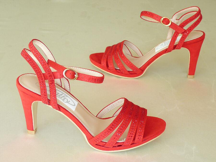 Szandál fazonú menyecske cipő