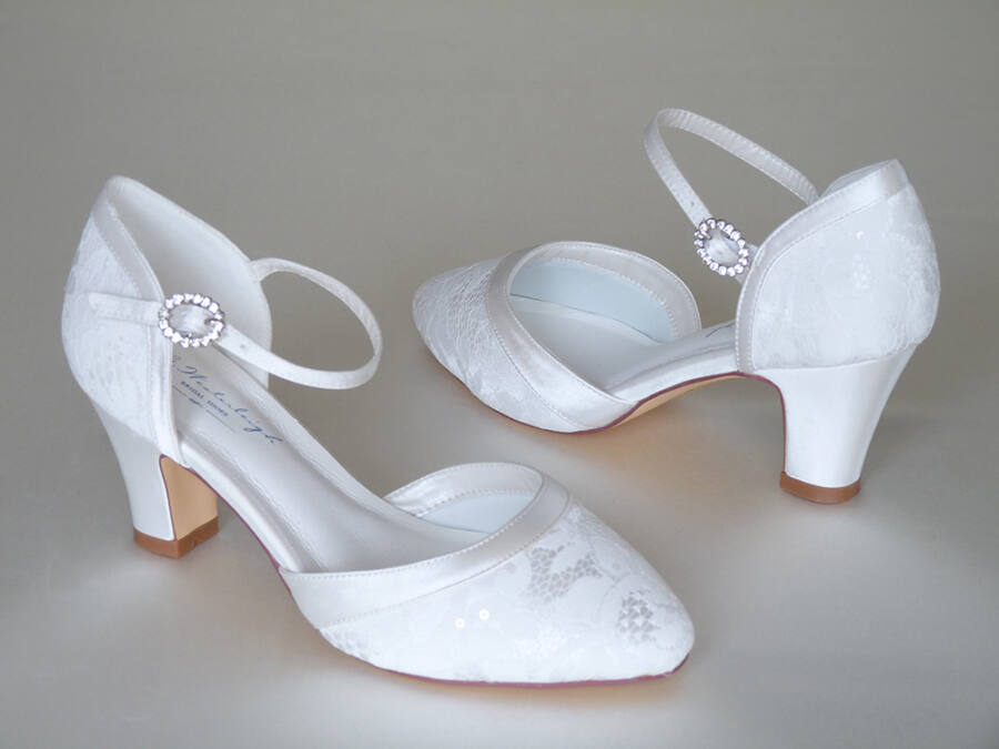 Lívia pántos női esküvői cipő