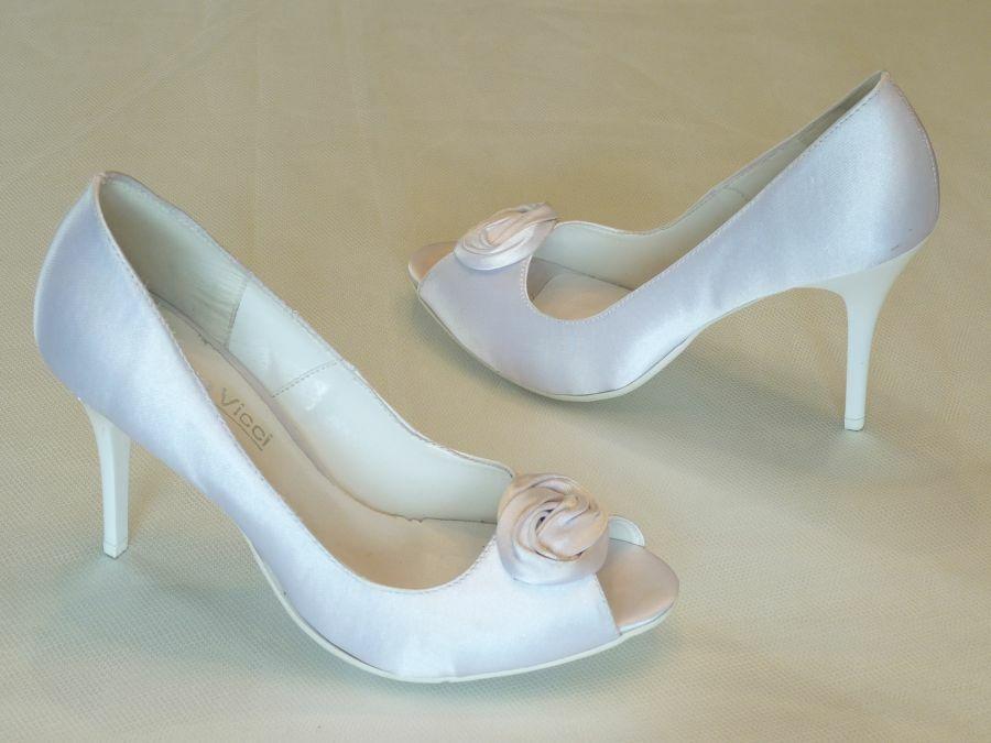 Nyitott orrú női esküvői cipő