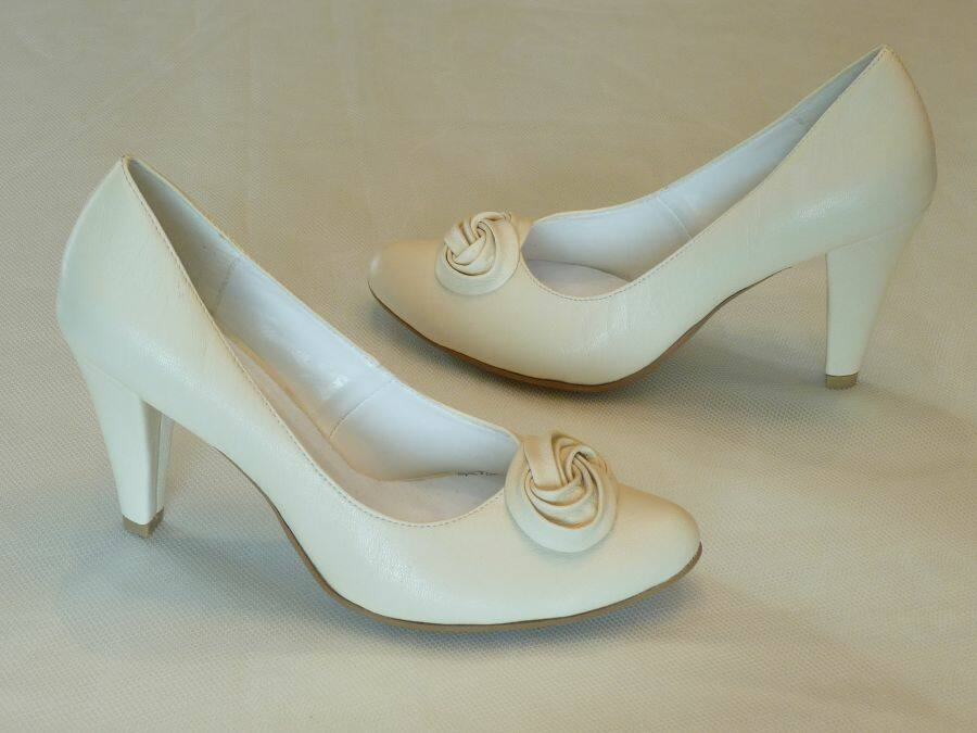 Körömcipő fazonú női esküvői cipő