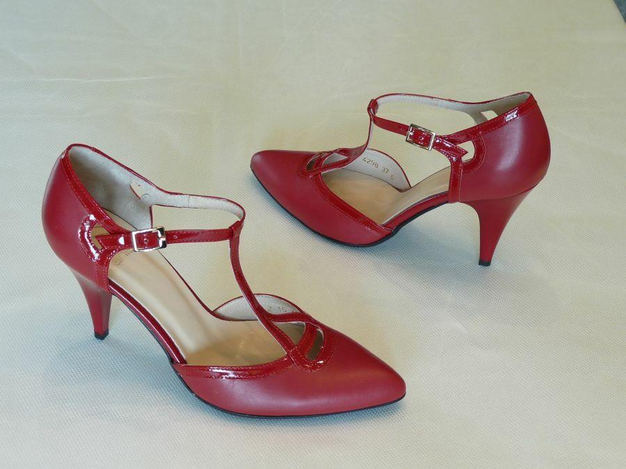 Felvezetőpántos menyecske cipő