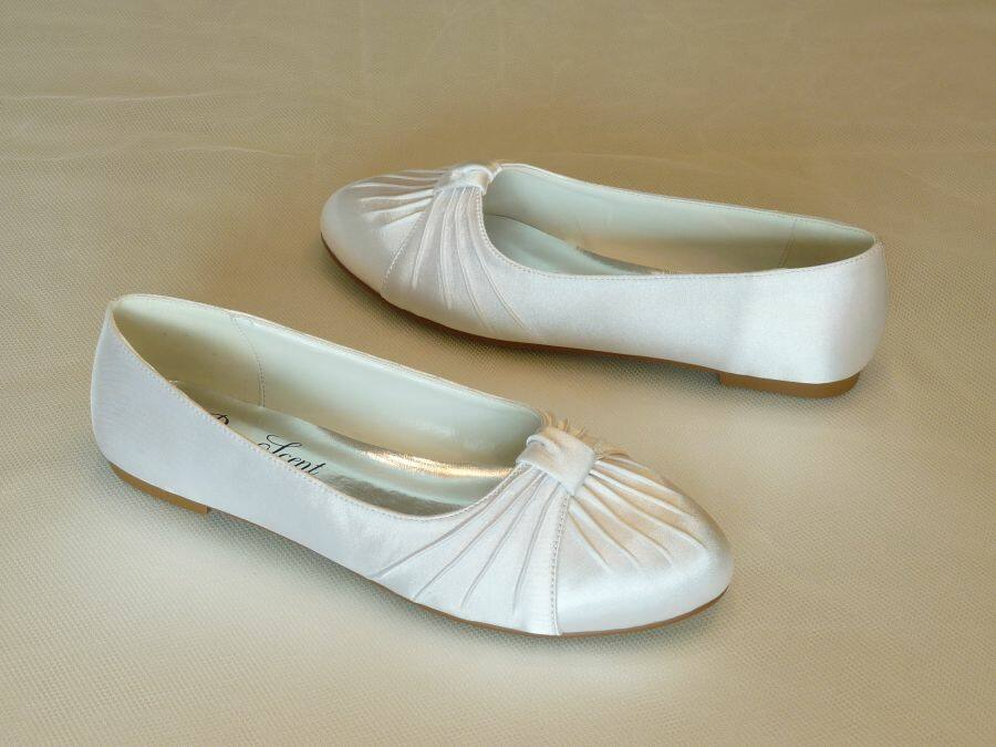 Lapos sarkú női esküvői cipő