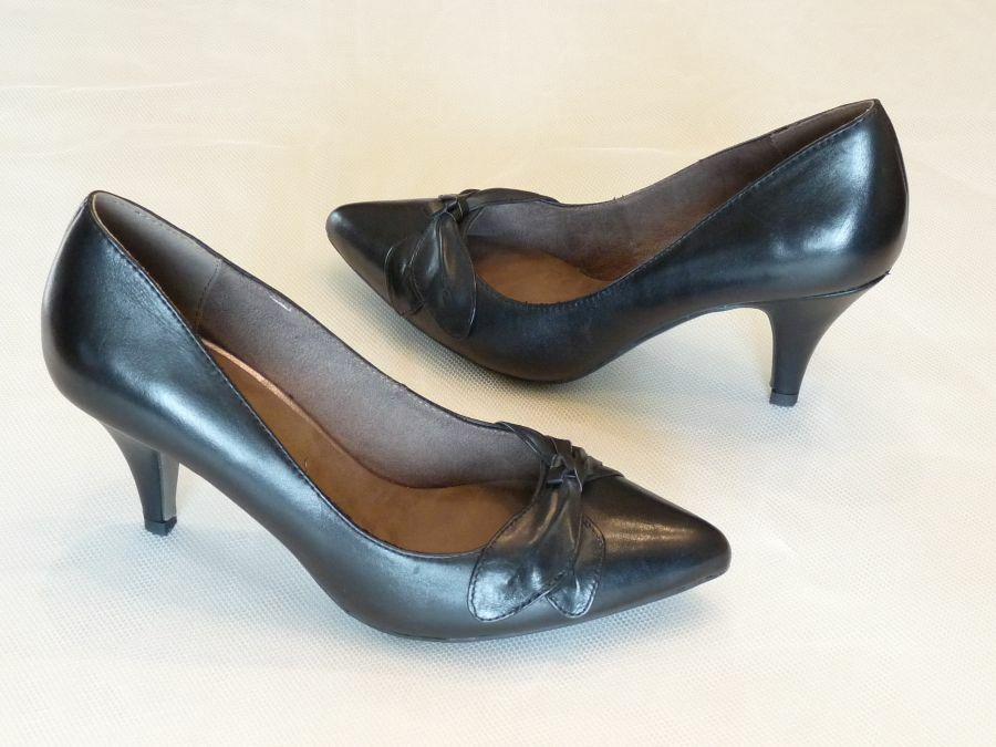 Körömcipő fazonú női alkalmi cipő