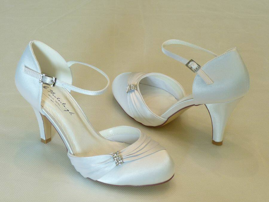 Sophie – pántos női esküvői cipő
