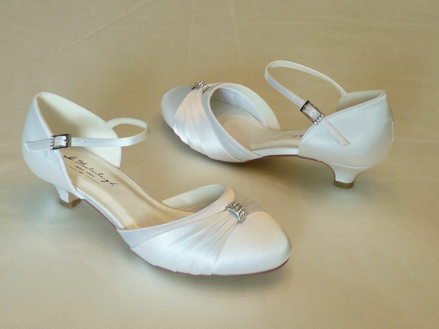 Heide – pántos női esküvői cipő