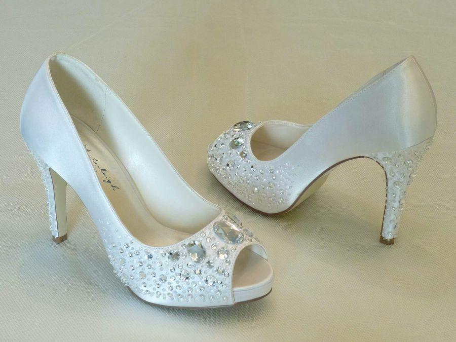 Victória – nyitott orrú női esküvői cipő