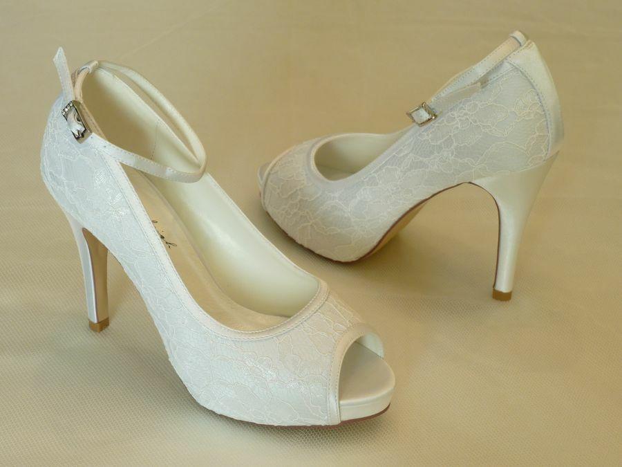 Leila – nyitott orrú női esküvői cipő