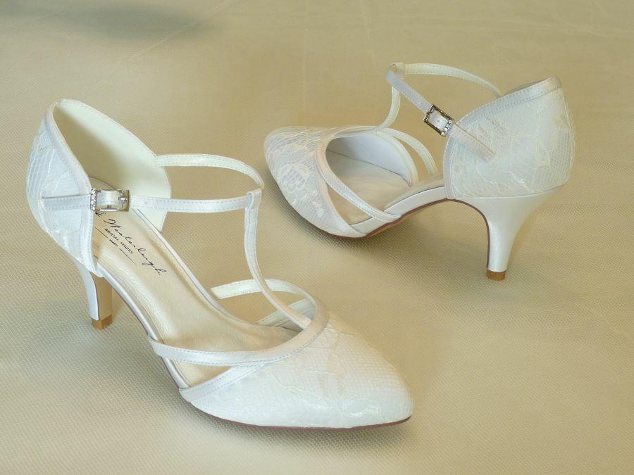 Jásmine – felvezetőpántos női esküvői cipő