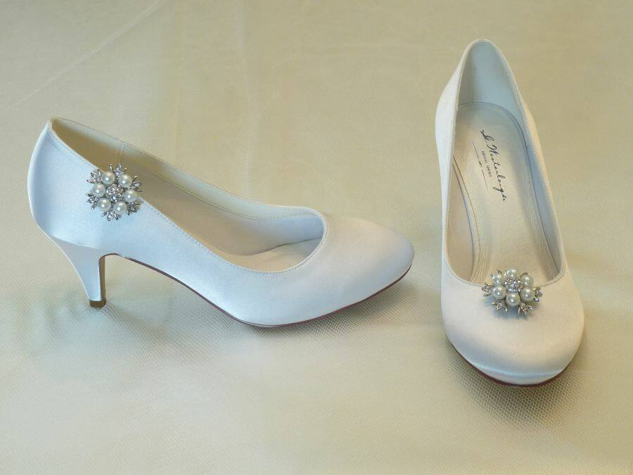Diana – körömcipő fazonú női esküvői cipő Claudia cipőklipsszel